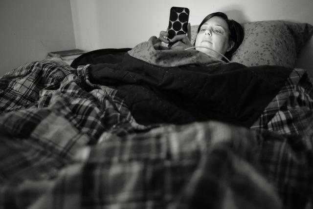 jenny-in-bed-02509